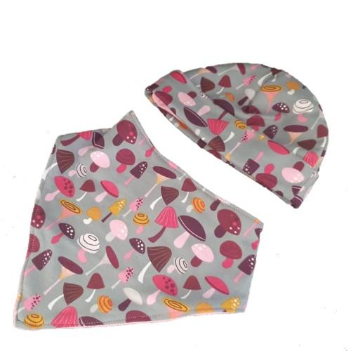 BabyBeanieandBibSet PinkMushrooms.1